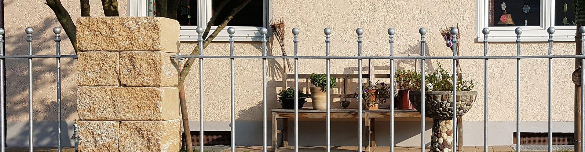 zaunelemente aus metall verzinkt eleo. Black Bedroom Furniture Sets. Home Design Ideas