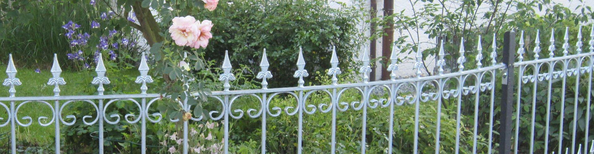 Gartenzäune aus Metall verzinkt